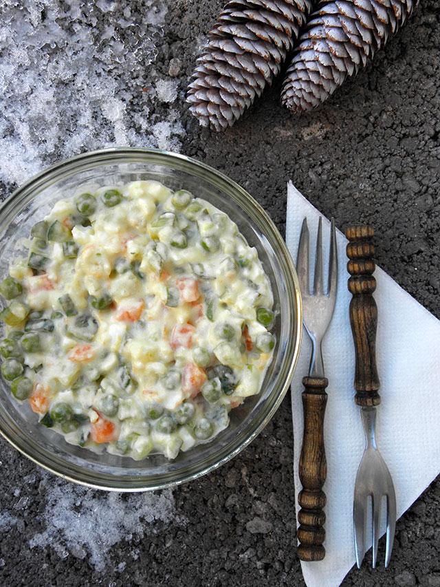 winter salad with vegan homemade mayo